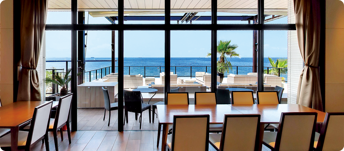 ザ・サーフ オーシャンテラス レストラン 海辺のレストランで味わう スパークリングワイン付きご褒美プラン